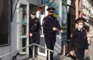 За две недели по поводу масок проверили все объекты торговли, транспорт — по несколько раз
