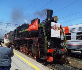 В воскресенье на станции Сенной встречали ретропоезд «Воинский эшелон»
