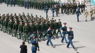 В День Победы на площади Вольска состоялся военный парад