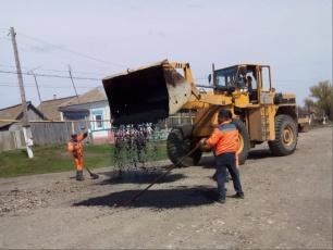 В Междуречье и Покурлее отремонтировали по четыреста квадратов внутрипоселковых дорог