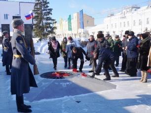 В Вольске мороз и ветер не помешали почтить память защитников Отечества